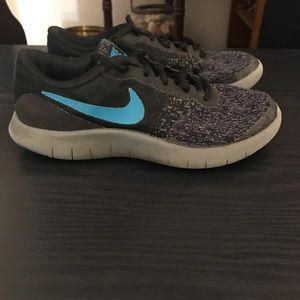 Nike Youth Size 4 equivalent to Women's size 6